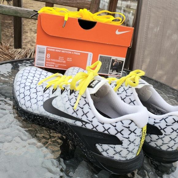 Nike Shoes   Nike Metcon 4 White Black